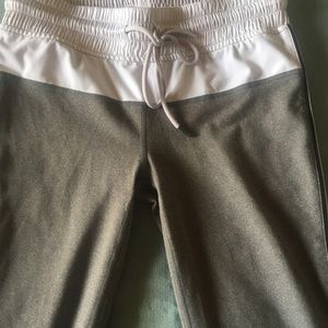 Fabletics workout cropped pants